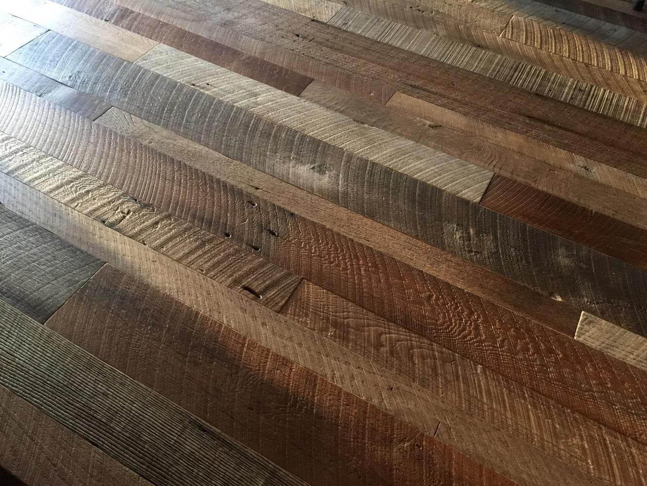 Beau FARNER HARDWOOD FLOORING. Reclaimed Rustic Barn Oak Flooring   Random Width