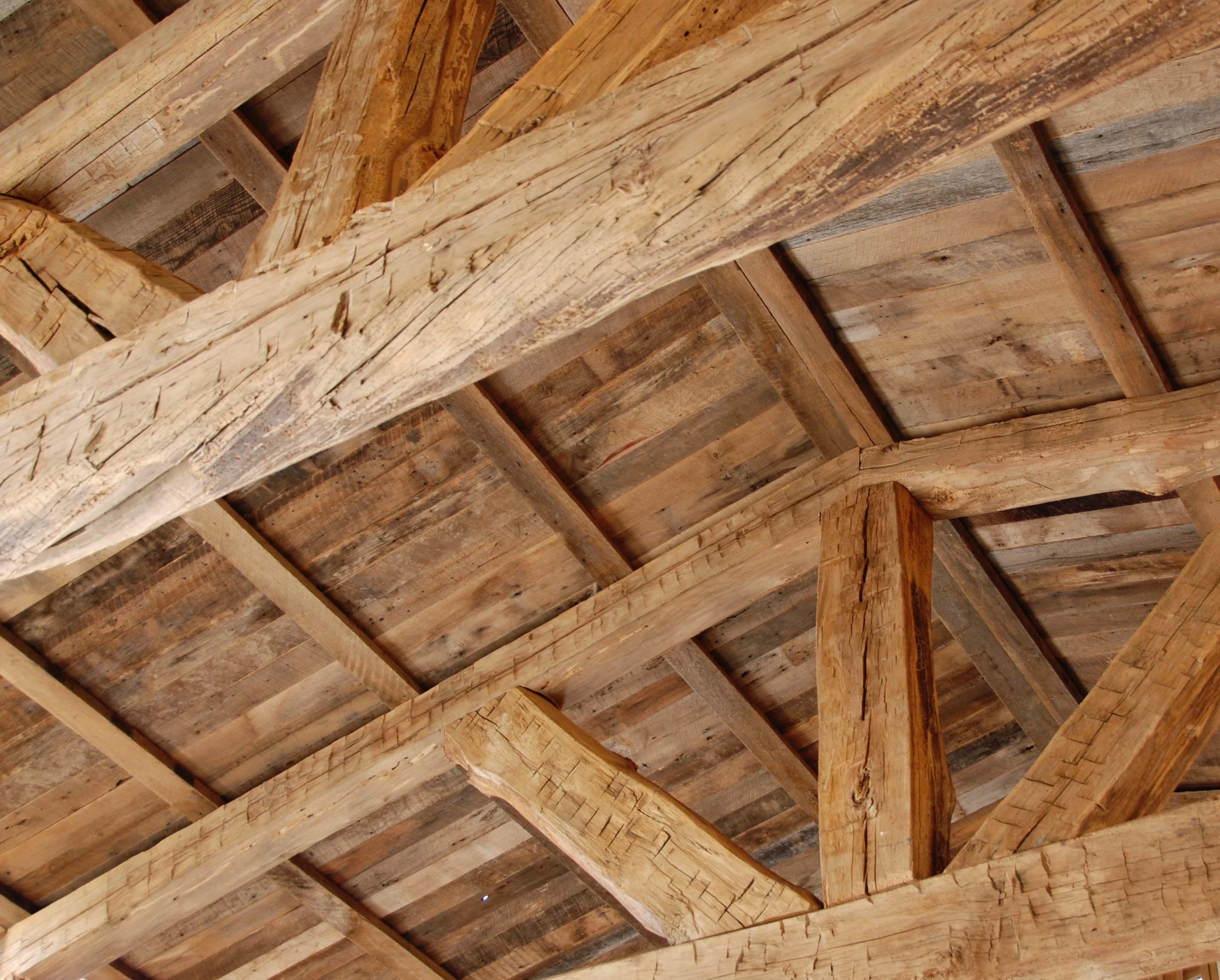 edge hardwood beams06 - Reclaimed Hardwood Barn Timbers