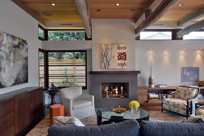edge hardwood beams16 - Reclaimed Hardwood Barn Timbers