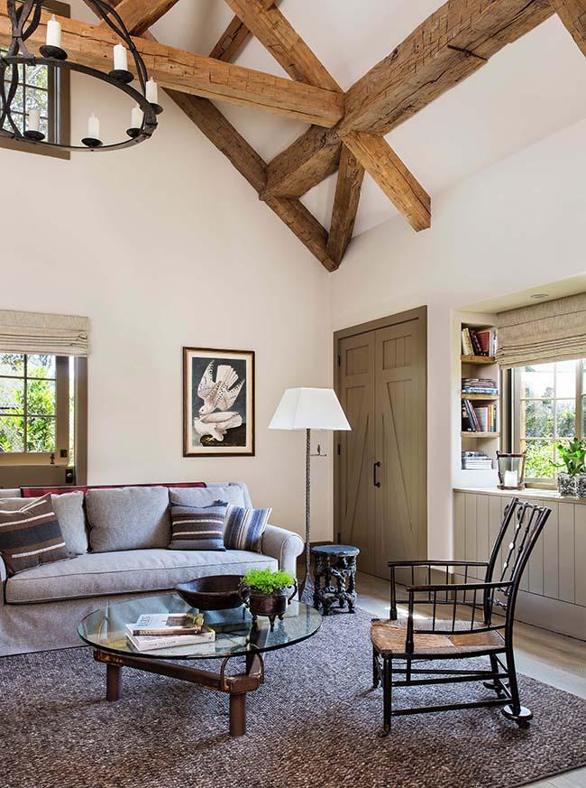 hewn hardwood beams09 - Reclaimed Hardwood Barn Timbers