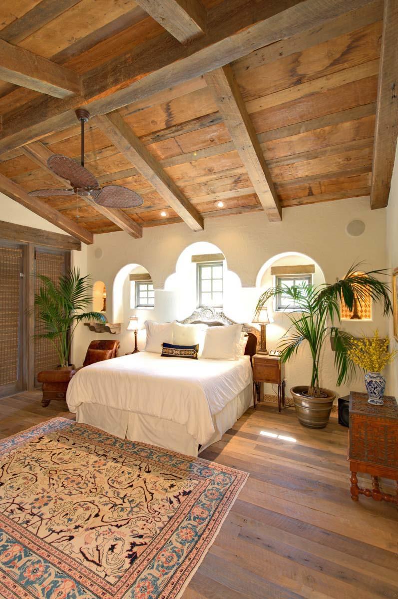 rustic oak flooring08 - Reclaimed Barn Oak